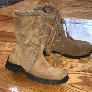 Lace up fur tan boots 6 1/2